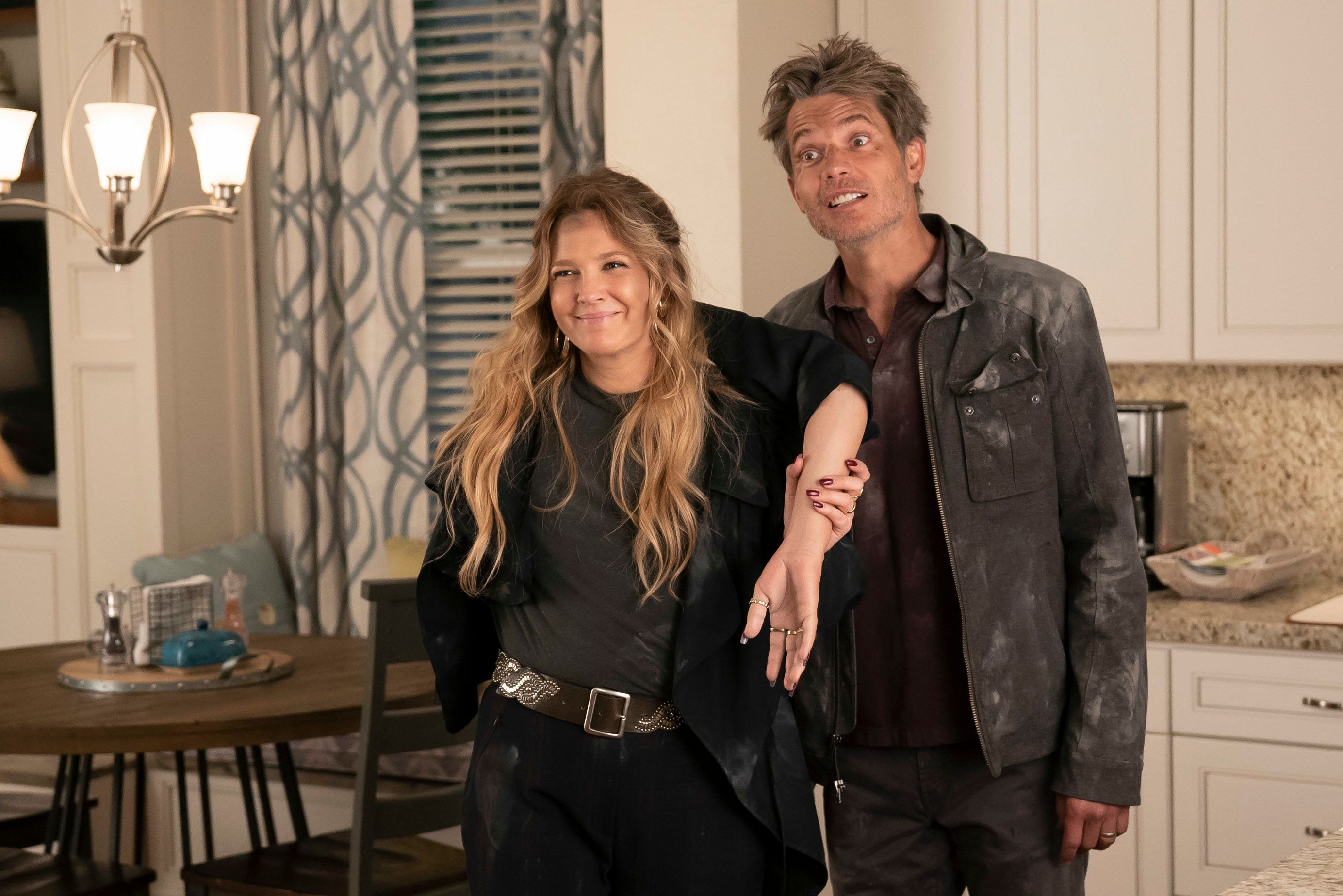 """Drew Barrymore and Timothy Olyphant in """"Santa Clarita Diet"""" on Netflix."""