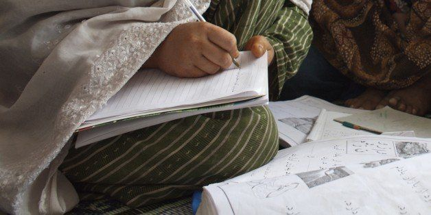 An adult literacy class, at Dust-e-Noor neighborhood, in Mazar-e-Sharif, in the northern province of Balkh. Dari is the Afgha