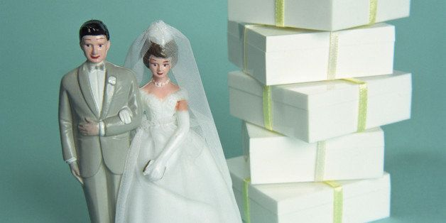 The One Time You Really Don T Need To Send A Wedding Gift Huffpost Life