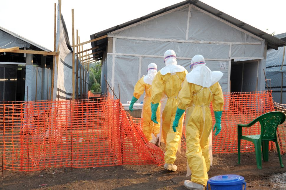 "Guinea <a href=""https://www.huffpost.com/entry/ebola-spread_n_5760334"" target=""_blank"">informs</a> the World Health Organizat"