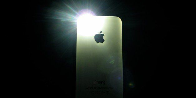 iPhone 4S - flash in the dark