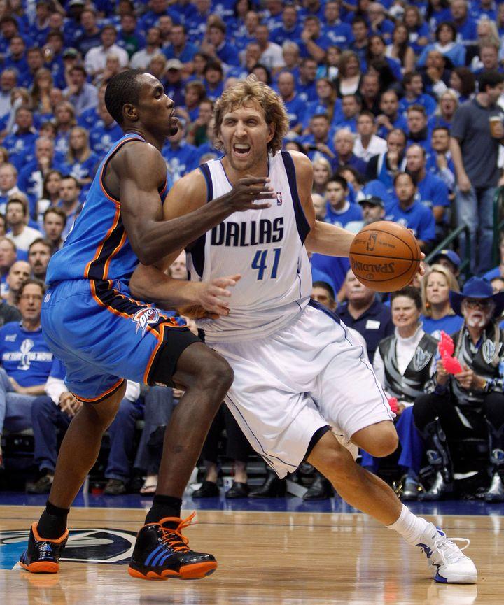 Dirk Nowitzki's 48 Leads Mavericks Past Thunder In Game 1 (VIDEO