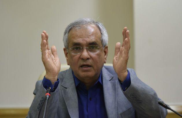 Niti Aayog Vice-Chairman Criticises Congress Over Minimum Income Scheme, EC Seek