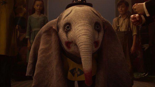 L'éléphanteau Dumbo, moqué pour ses grandes oreilles, devient la risée du