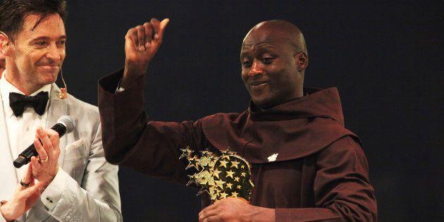 Le professeur Kenyan de 36 ans, Peter Tabichi, a reçu le prix