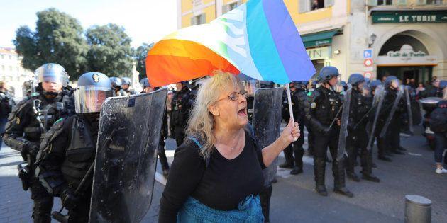 Geneviève Legay manifestant à Nice samedi 23 mars pour l'acte XIX des gilets jaunes, avant d'être gravement