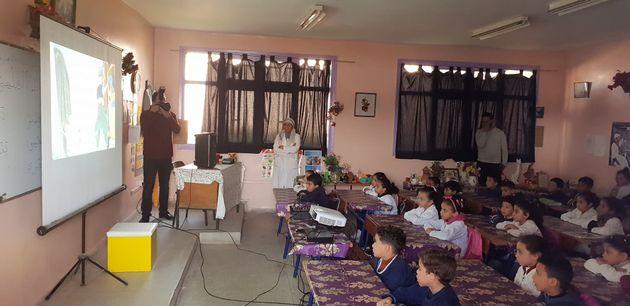 La Fondation Renault lance un projet de bibliothèque mobile dans les écoles