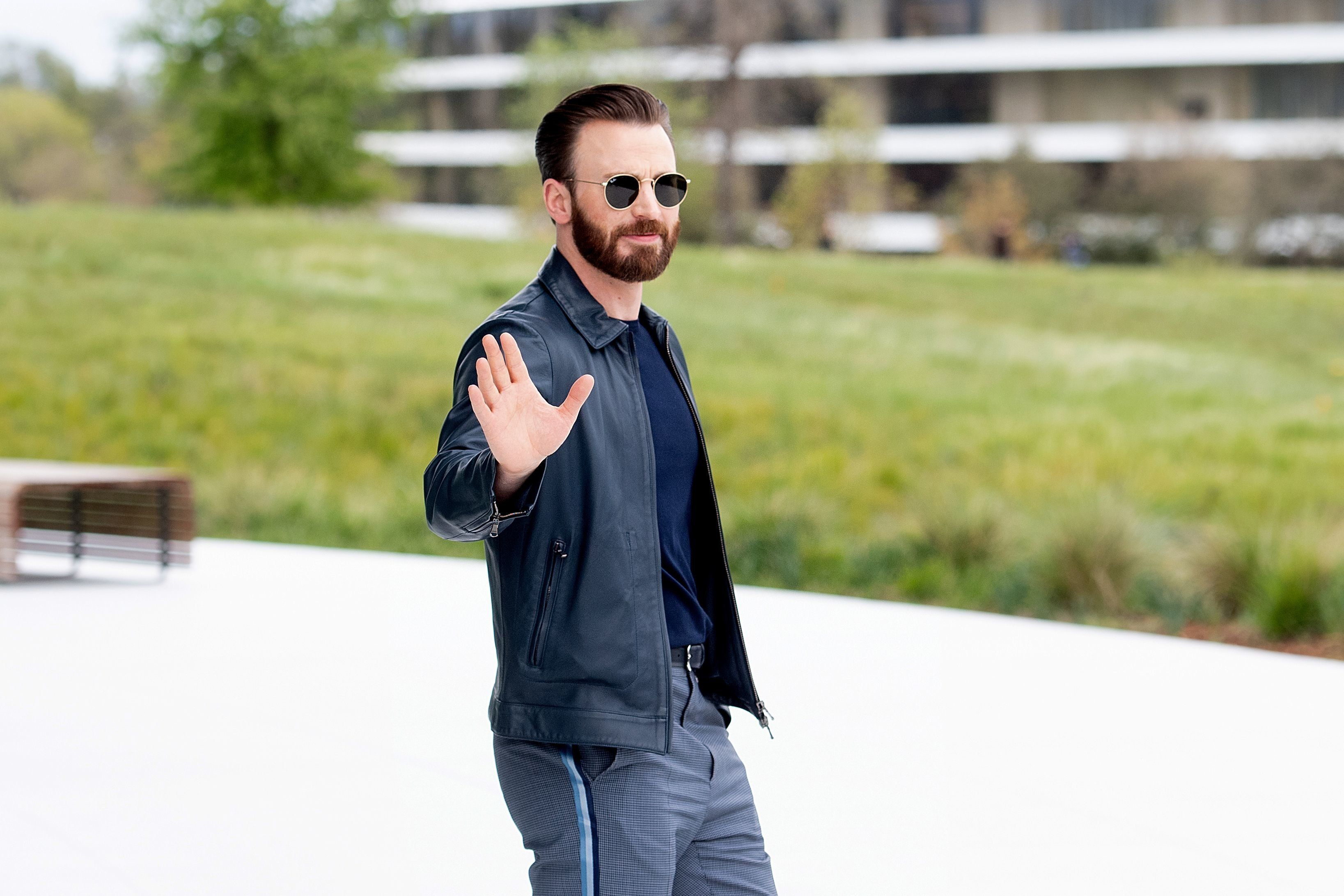Actor Chris Evans leaves an event launching Apple tv+ at Apple headquarters on March 25, 2019, in Cupertino, California. (Photo by NOAH BERGER / AFP)        (Photo credit should read NOAH BERGER/AFP/Getty Images)