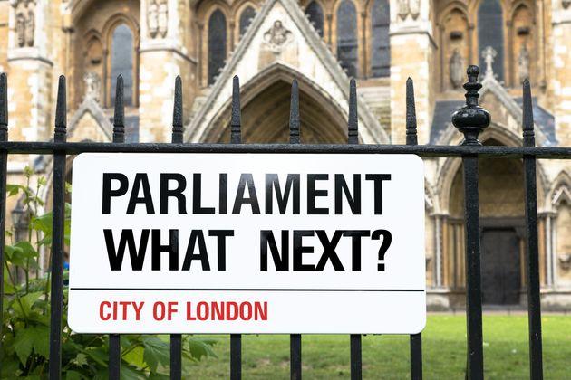 Νέα αδιέξοδα στη Βουλή των Κοινοτήτων - Καταψηφίστηκαν και οι οκτώ 8 νέες