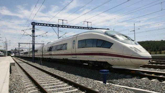 Renfe asegura que ya tiene trenes para el AVE 'low