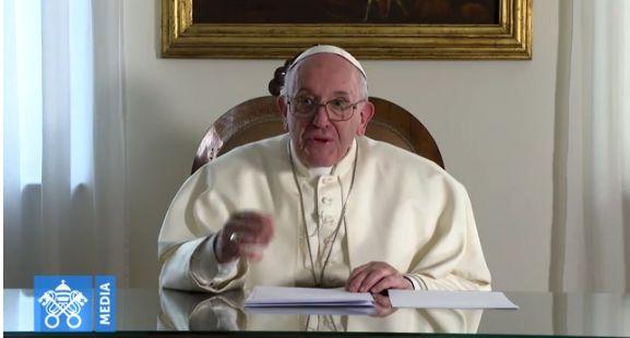 En vidéo, le pape François adresse un message au peuple