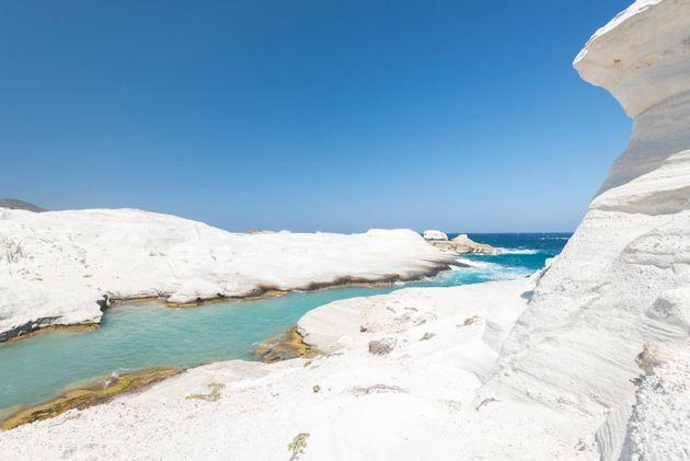 Το ελληνικό νησί που εξυμνεί ο Guardian για το φαγητό