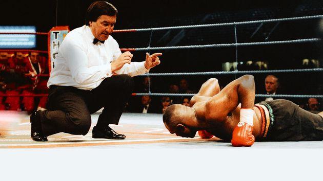 O lutador de boxeMichael Bentt viu na queda a grande oportunidade de buscar sua