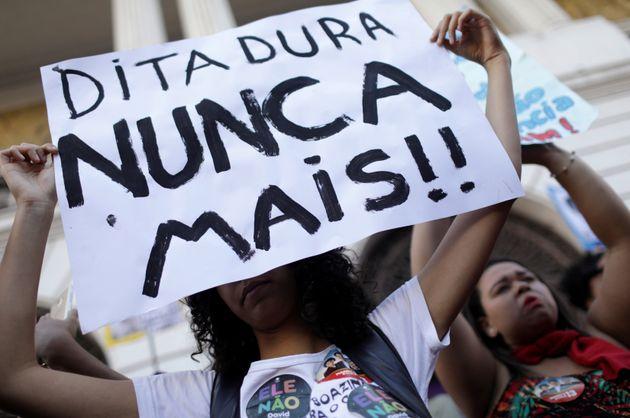 As metáforas de Bolsonaro com 'casamento' e 'namoro' foram longe