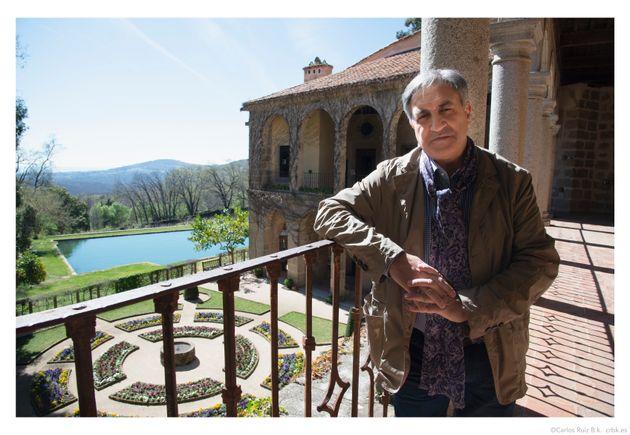 José Luis Corral en el Monasterio de Yuste, lugar al que Caros V se retiró a