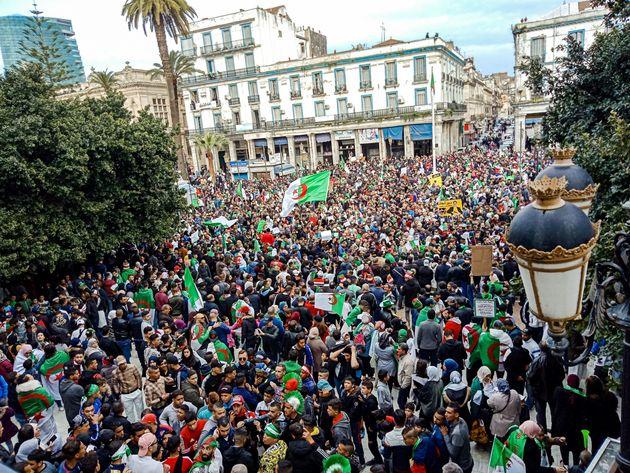 La démocratie en Algérie: un horizon