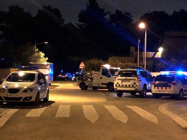 Vehículos policiales en Matadepera, tras una persecución con ladrones por las calles del