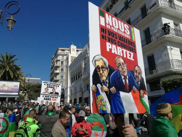 A Alger, les Algériens sortent encore plus tôt pour dire