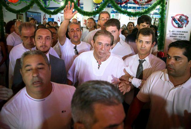 João Teixeira de Faria (en el centro), más conocido comoJoão de Deus (Juan...