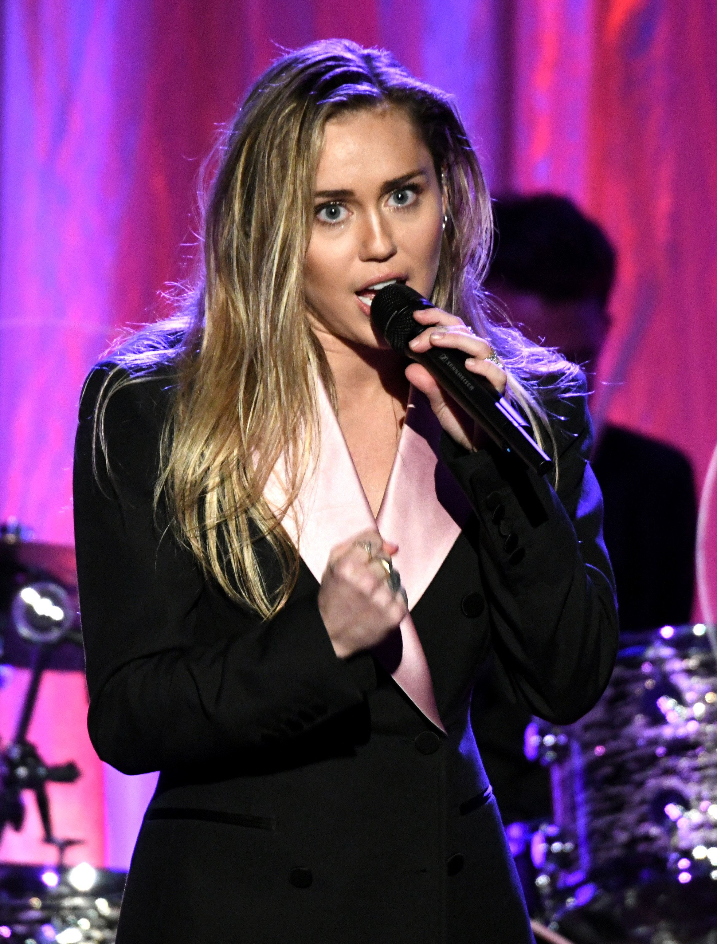 BEVERLY HILLS, CA - FEBRUARY 28:  Miley Cyrus performs onstage during WCRF's 'An Unforgettable Evening' at the Beverly Wilshire Four Seasons Hotel on February 28, 2019 in Beverly Hills, California.  (Photo by Michael Kovac/Getty Images for WCRF)