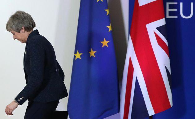 Theresa May a essuyé un nouveau revers avec lerejet du Traité de retrait du Brexit,...