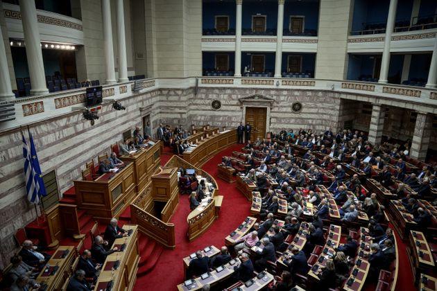 Ποινικές διώξεις σε 115 τραπεζίτες και στελέχη κομμάτων για τα δάνεια ΝΔ –
