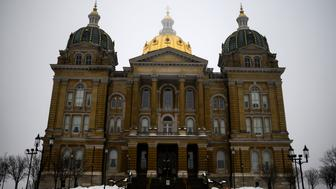 DES MOINES, IA - FEBRUARY 23: A general view outside the Iowa Statehouse on February 23, 2019 in Des Moines, Iowa. A number of Democrats are attending events at the Statehouse this weekend including Sen. Kamala Harris (D-CA) and New York City Mayor Bill de Blasio. (Photo by Stephen Maturen/Getty Images)