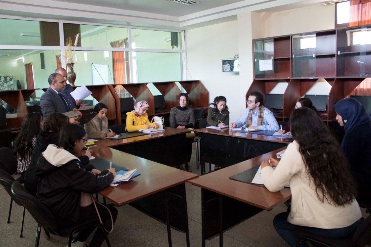 L'initiative de ces enfants parlementaires veut contrer l'absence des profs en