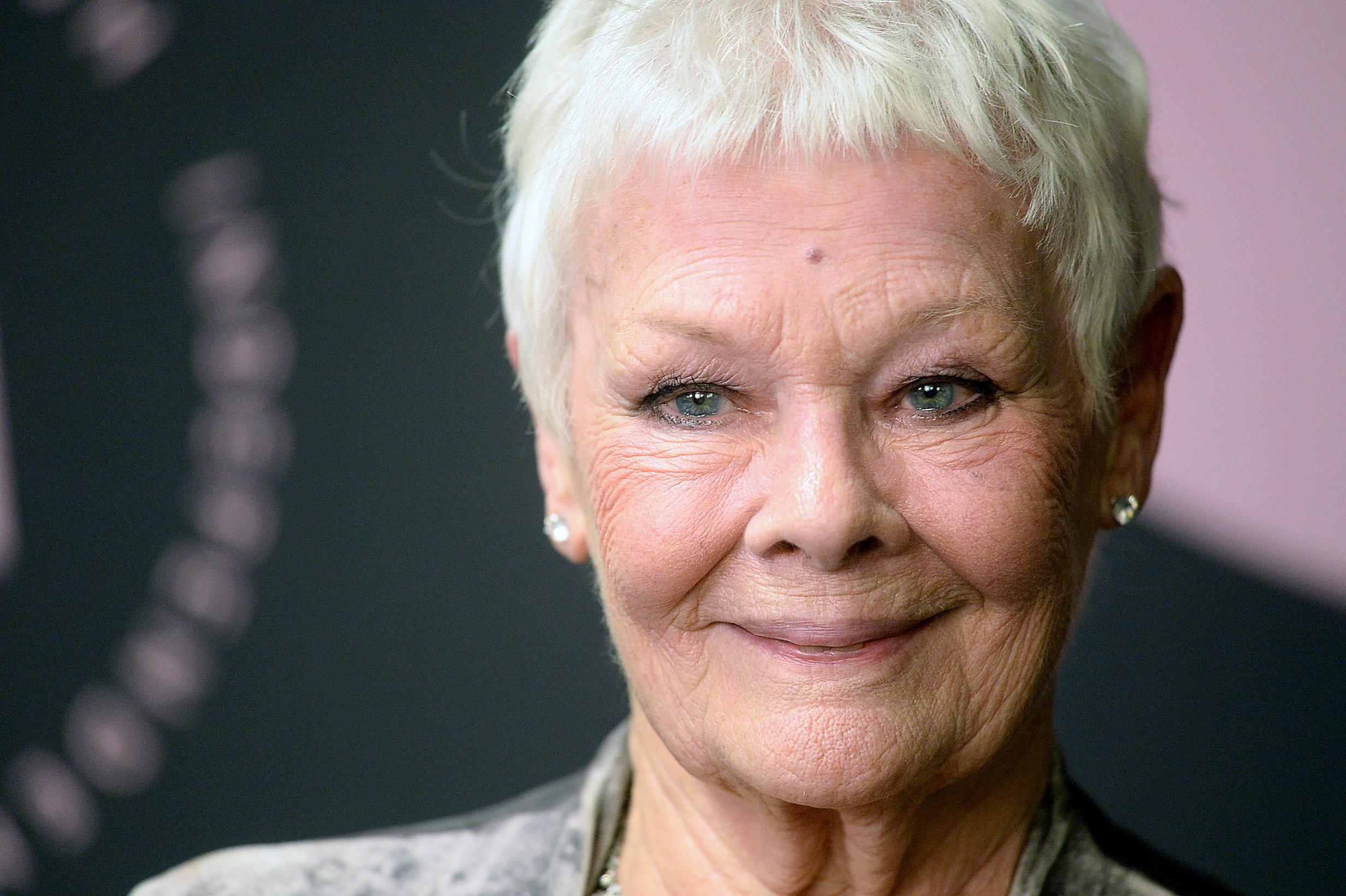 Judi Dench nomme la vedette qui ferait un James Bond «génial» selon
