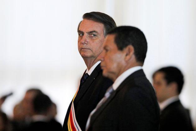 """PresidenteJair Bolsonaro afirmou, depois, que a decisão foi """"rememorar"""" a data..."""