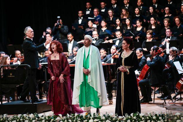 Allahu Akbar, Adonaï et Ave Maria chantés à l'unisson devant le roi Mohammed VI et le pape