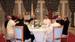 Le chef du gouvernement préside un dîner officiel en l'honneur de la délégation accompagnant le pape