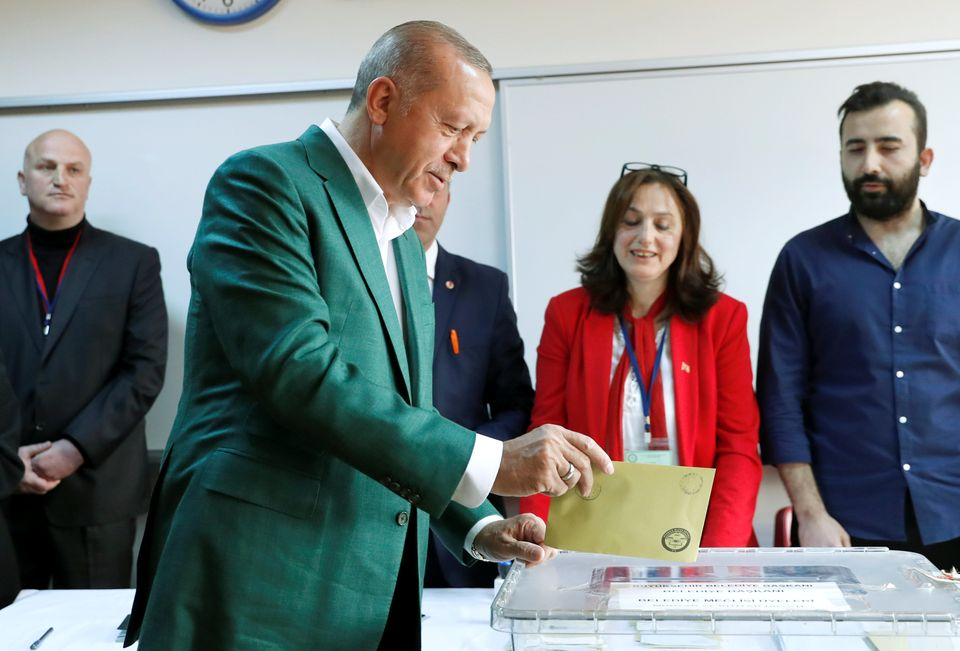 Eκλογές στην Τουρκία: Στις κάλπες 57 εκατομμύρια