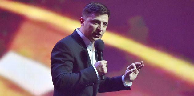 Volodymyr Zelenskyest présenté comme le grand favori de la présidentielle...