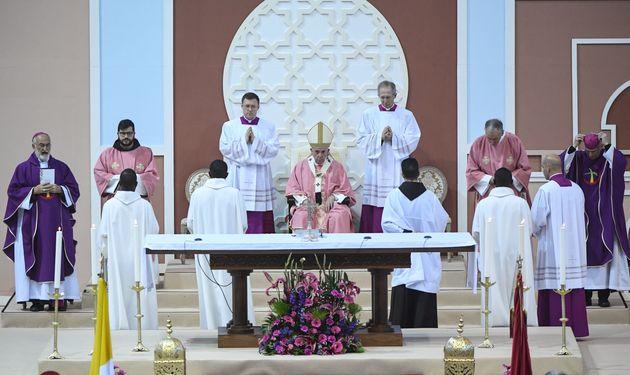 Après avoir célébré la messe, le pape François quitte le Maroc au bout d'une visite de 2