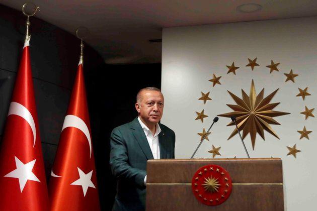 Τουρκία - Θρίλερ: Οριακά μπροστά το ΑΚΡ του Ερντογάν σε Κωνσταντινούπολη, πίσω σε Αγκυρα και