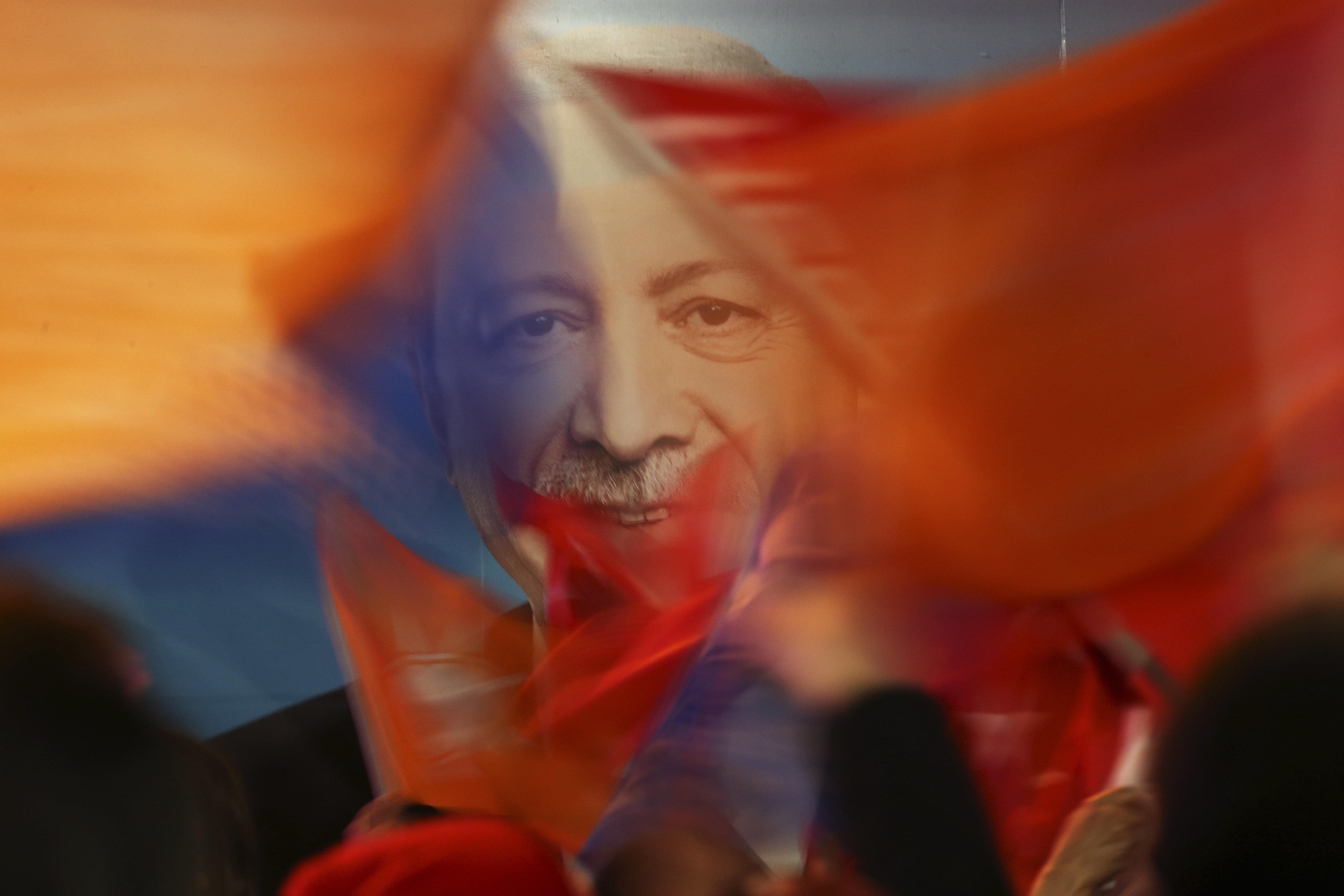 Νίκες και ήττες - Ο Ερντογάν κέρδισε την Τουρκία αλλά έχασε τις πόλεις που μετράνε. Όλα τα