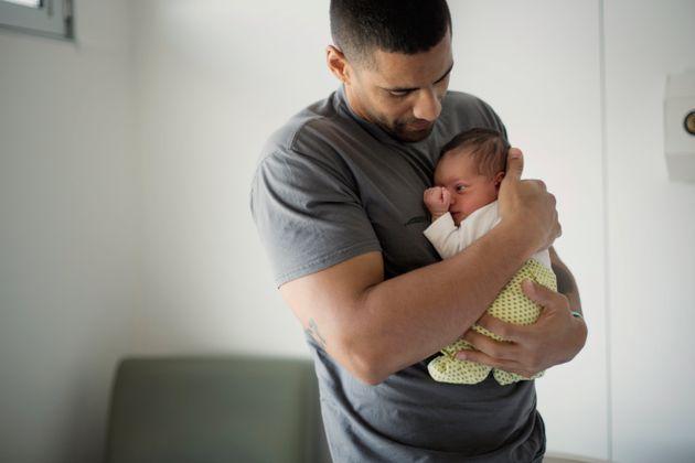 La ampliación de los permisos por paternidad a 8 semanas entra en vigor este