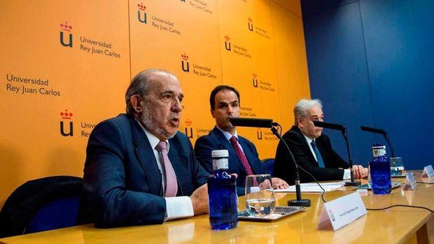 Muere Enrique Álvarez Conde, director del máster de