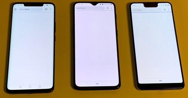 Le OnePlus 6T est au milieu, en cadré à gauche par le Mate 20 pro et à droite par le Pixel 3