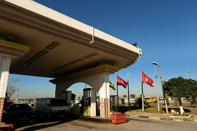 Hausse des prix du carburant: Les réactions oscillent entre indignation et mises en