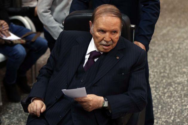 En Algérie, Abdelaziz Bouteflika a annoncé qu'il va démissionner de la présidence...