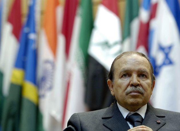 El presidente argelino, Abdelaziz Bouteflika, en una imagen de archivo, cuando su salud estaba menos