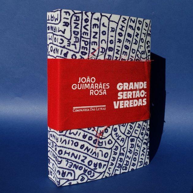 Mia Couto participa de lançamento da nova edição do clássico 'Grande Sertão: