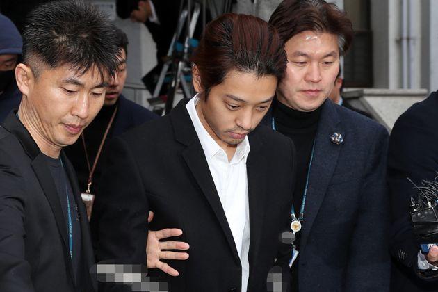 '정준영 카톡방' 참여한 연예인 김모씨도 경찰 조사를