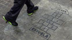 'Rayuela' y Cortázar en palabras de García Márquez, Fuentes, Bioy Casares y Vargas