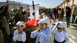 Suspenden las procesiones de Semana Santa en varios colegios por discriminar a los niños que no eligen