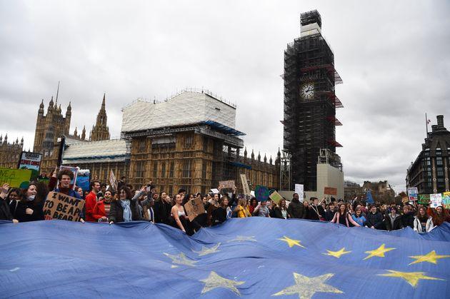 Brexit και συνέπειες στην πολιτική υπεροχή της ΕΕ για το