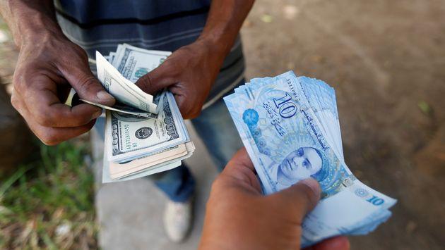 L'ouverture de bureaux de change ne suffit pas à résorber le marché noir, selon Hassine