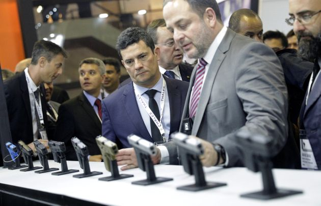 O ministro da Justiça, Sergio Moro, também esteve na feira LAAD nesta terça-feira
